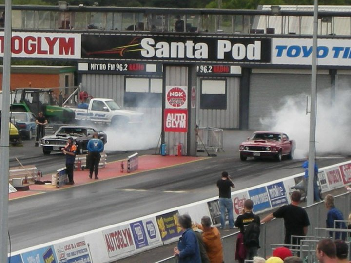 Mustangs at SantaPod